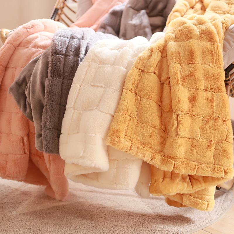 出口礼盒装礼品毛毯双层仿兔毛仿皮草冬天加厚午睡午休沙发毯盖毯