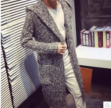 2020 slim mens T-shirt with hat fall and winter popular medium and long coat college style cardigan thickened sweater