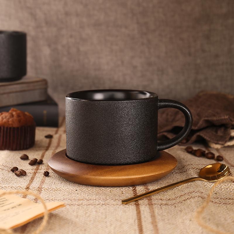 欧式轻奢陶瓷咖啡杯配底座黑色磨砂马克杯配勺简约创意咖啡厅杯子