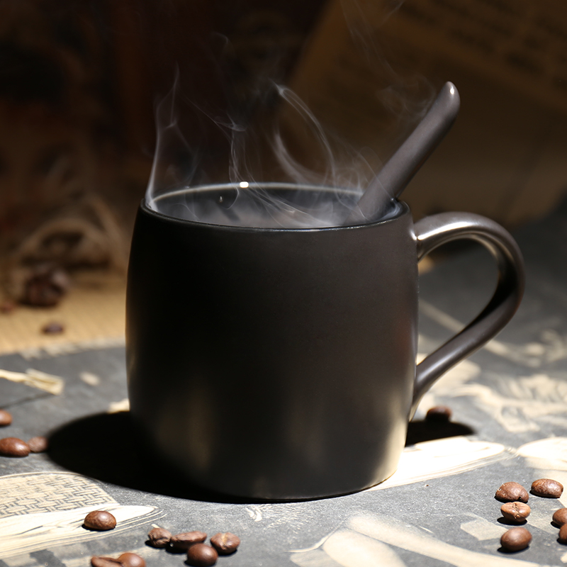 欧式咖啡厅定制创意磨砂马克杯带勺黑色高档咖啡杯带盖陶瓷水杯子(用18元券)