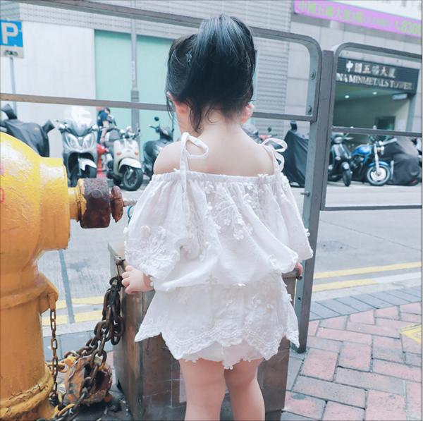 YIYI家女童夏款2019新款全棉钩花吊带上衣短裤套装儿童时尚两件套(非品牌)