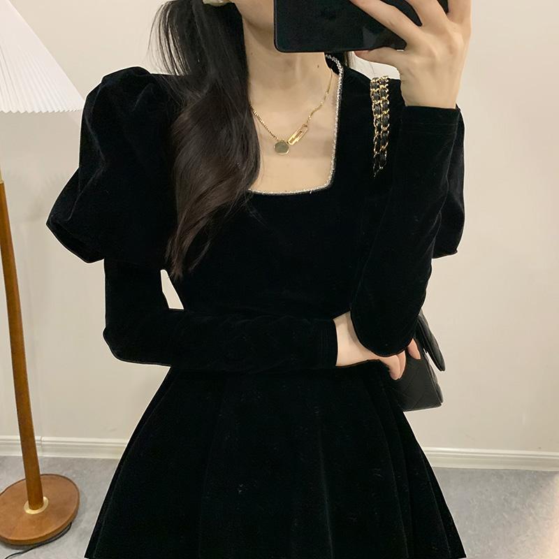 奶凶连衣裙法式新款设计感黑裙子