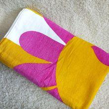倩碧专柜赠品菊花图案大浴巾 沙滩巾两面 柔软 强吸水150*70cm
