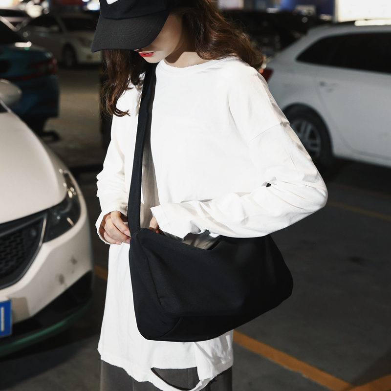 2019新款潮韩版百搭ins工装运动风单肩背包学生大容量斜挎包包女