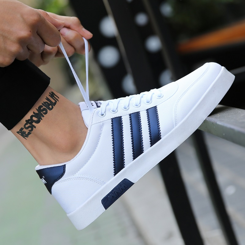 2020 summer new Korean fashion mens shoes versatile casual canvas shoes mens board shoes breathable cloth shoes fashionable shoes