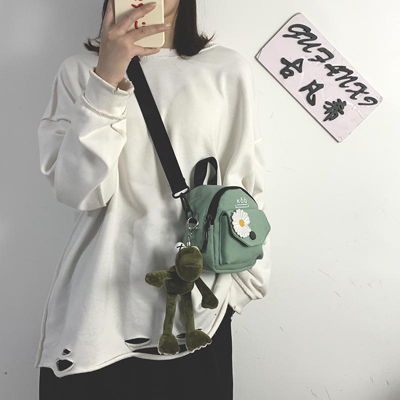 网红小布包包女包2020新款潮韩版百搭斜挎包女ins学生单肩帆布包图片