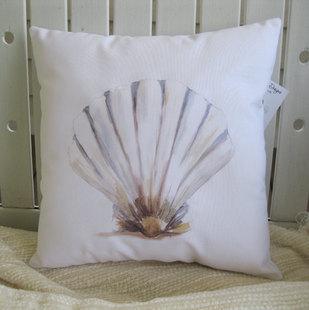 纯棉手绘贝壳抱枕靠腰垫睡枕汽车小清新柔软舒适靠背居家沙发软饰图片