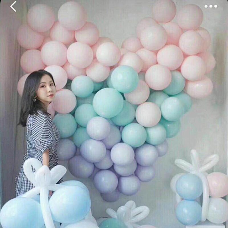 100個のマカロン風船キャンディー色の創意的な誕生日パーティーで、アーチ風船を飾って結婚式の用品を飾ります。