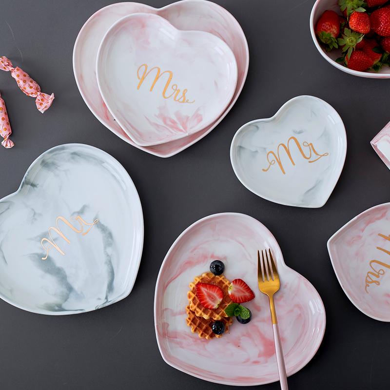 北欧餐具情侣爱心形菜盘家用创意个性碟陶瓷早餐西餐甜品盘子欧式券后15.00元