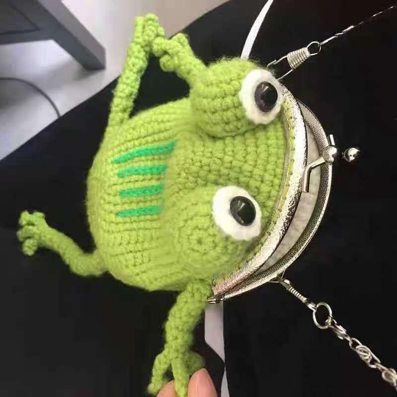 网红纯手工钩织青蛙口金包单肩斜挎放手机零钱朋友礼物材料包成品