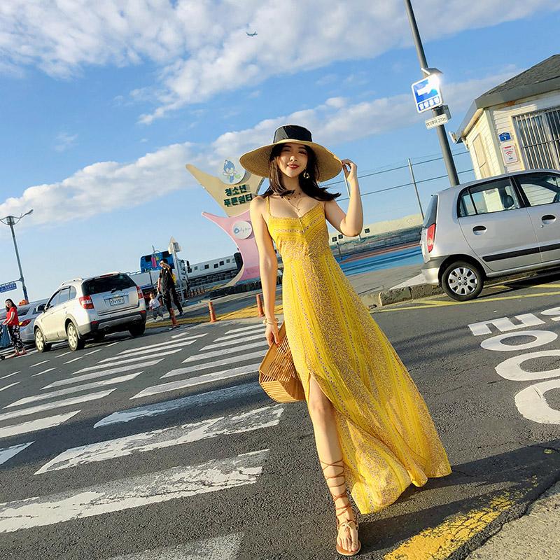 沙滩裙女夏2021新款三亚海边度假雪纺长裙超仙波西米亚性感连衣裙