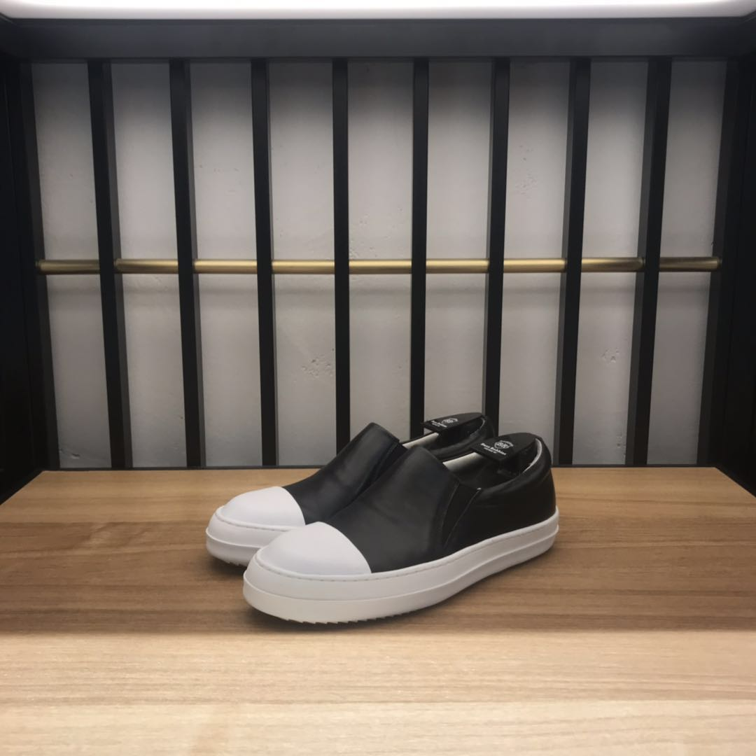 2020 authentic spring and summer special price buzz Robbins tide brand solid color black and white mens boat shoes
