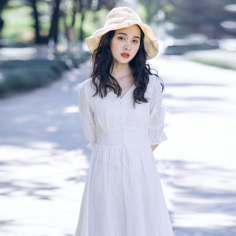 很仙的法国小众白色仙女裙收腰V领镂空公主裙文艺纯棉连衣裙女夏