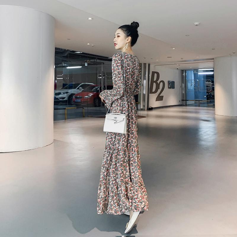 2021年新款韩版长袖碎花连衣裙女春秋雪纺长裙超仙森系大摆及踝裙