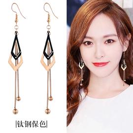 韩版新款钛钢耳环超仙几何黑色三角流苏耳坠气质长款防过敏耳勾女