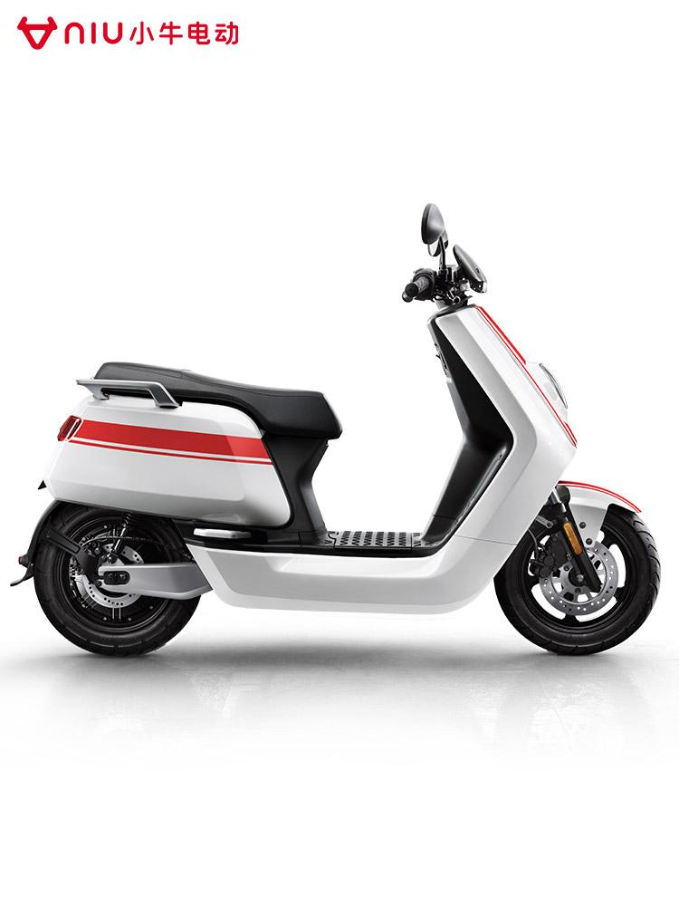 小牛电动N顶配PRO版锂电池电动摩托车代步成人电摩,可领取元天猫优惠券