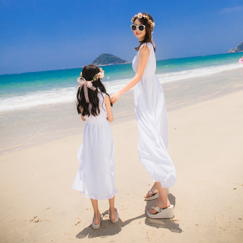 Seaside holiday parent child dress 2020 summer new womens dress white beach skirt girls dress Fairy
