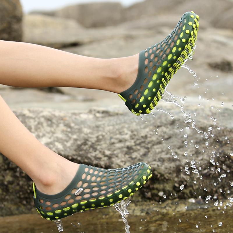 夏季男士休闲洞洞鞋舒适耐磨凉鞋开车漂流沙滩鞋女软底情侣沙滩鞋