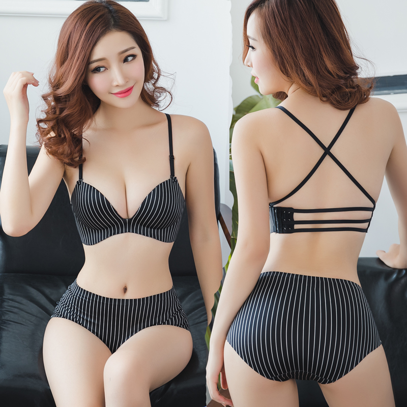 A variety of wearing sexy back small chest gathered bra one piece of no steel ring cross shoulder belt side buckle neck hanging underwear