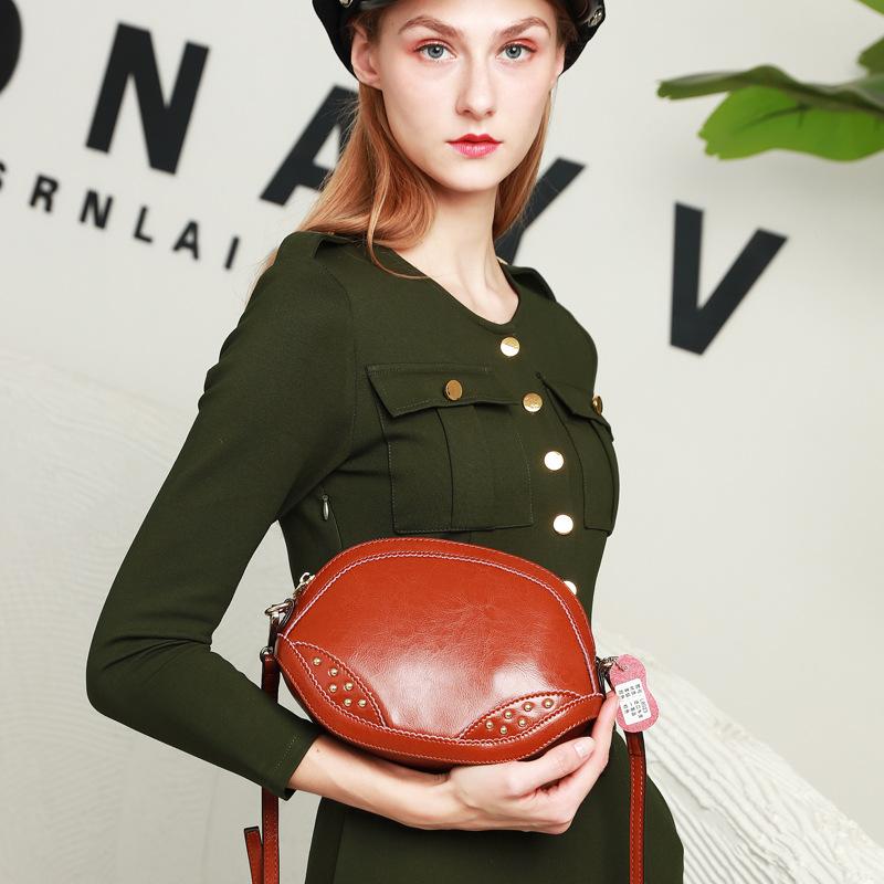 2020新款扇形贝壳包女士韩版迷你手提手机包时尚简约斜跨单肩包潮