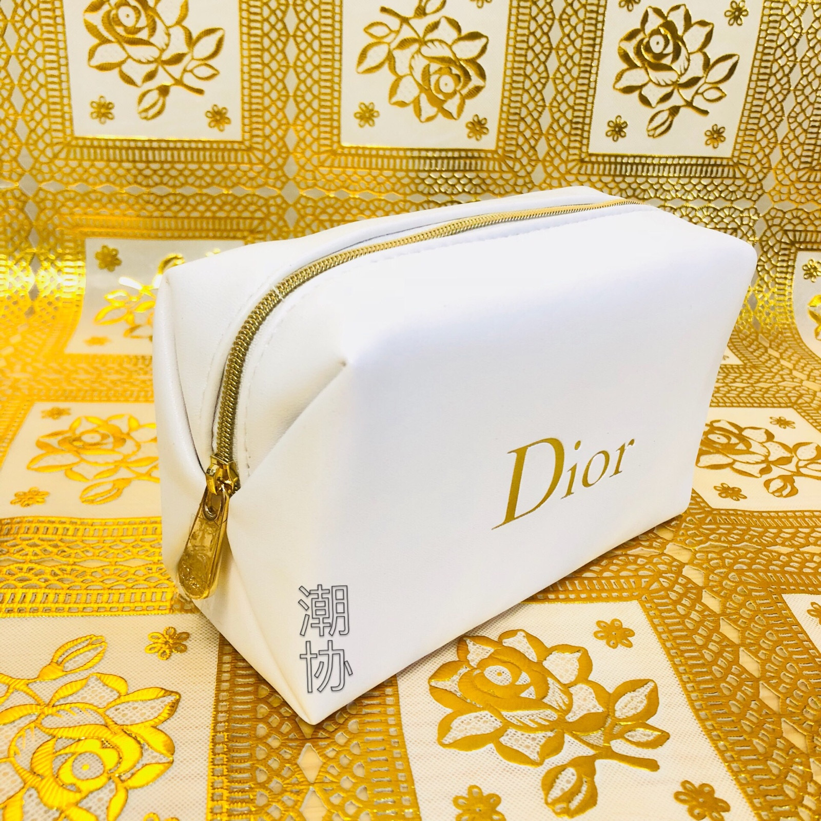 Dior gift White Gold Logo Cosmetic Bag / Wash Bag / Wash Bag / hand bag / pocket change waterproof