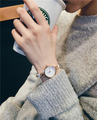 Zhao Liying with the watch Korean simple and thin with small red female students Gui honey mini small dial quartz watch
