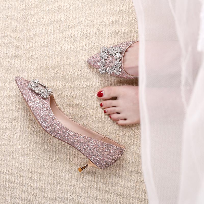亮片结婚鞋子女2019新款新娘鞋低跟伴娘婚纱鞋公主水晶细高跟单鞋