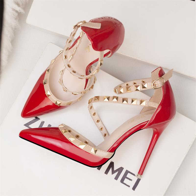 European and American high-heeled shoes thin heel fairy style color matching Liuding shoes fashion red patent leather one word sexy versatile sandals