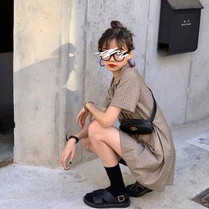 胡楚靓小香风裙子女2020新款复古双排扣气质收腰格子西装连衣裙夏