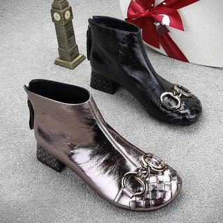 欧洲站2020秋冬季新款真皮短靴子女鞋中跟粗跟加绒时装靴马丁鞋子
