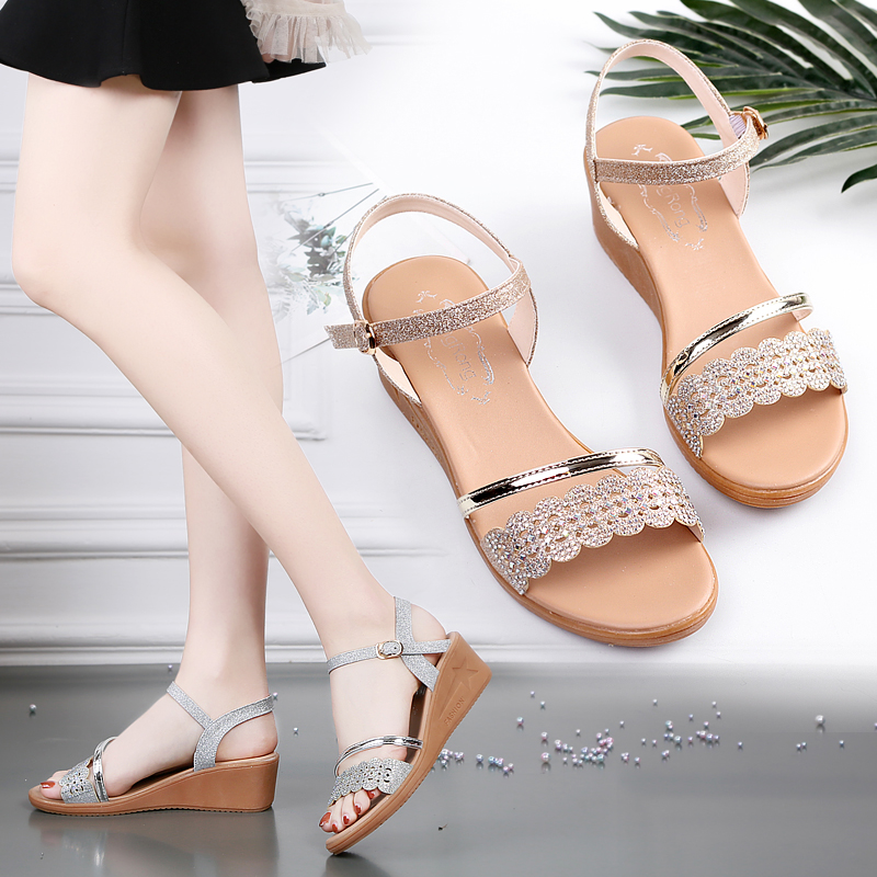 Sandals womens slope heel 2020 summer new waterproof Taichung heel diamond mothers shoes cow tendon soft sole Roman womens shoes