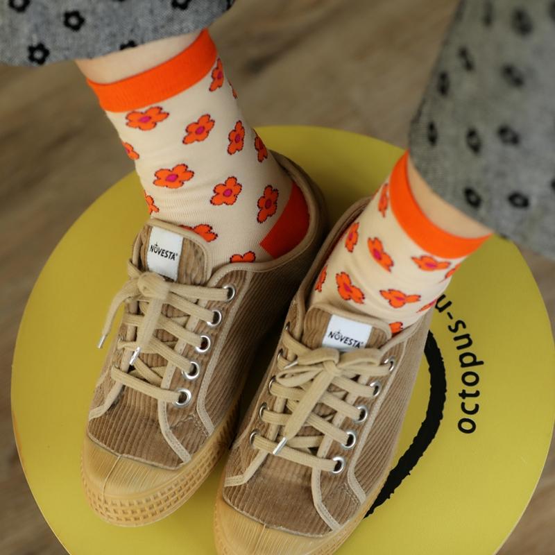 韩系泫雅风小碎花满印中筒袜ins日系学院风纯棉运动女袜百搭短袜