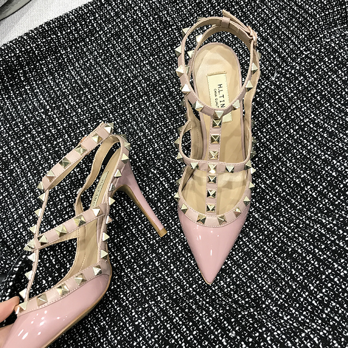 2018 summer new V home rivet pointed strap high heels thin heel ladies versatile patent leather matte womens sandals