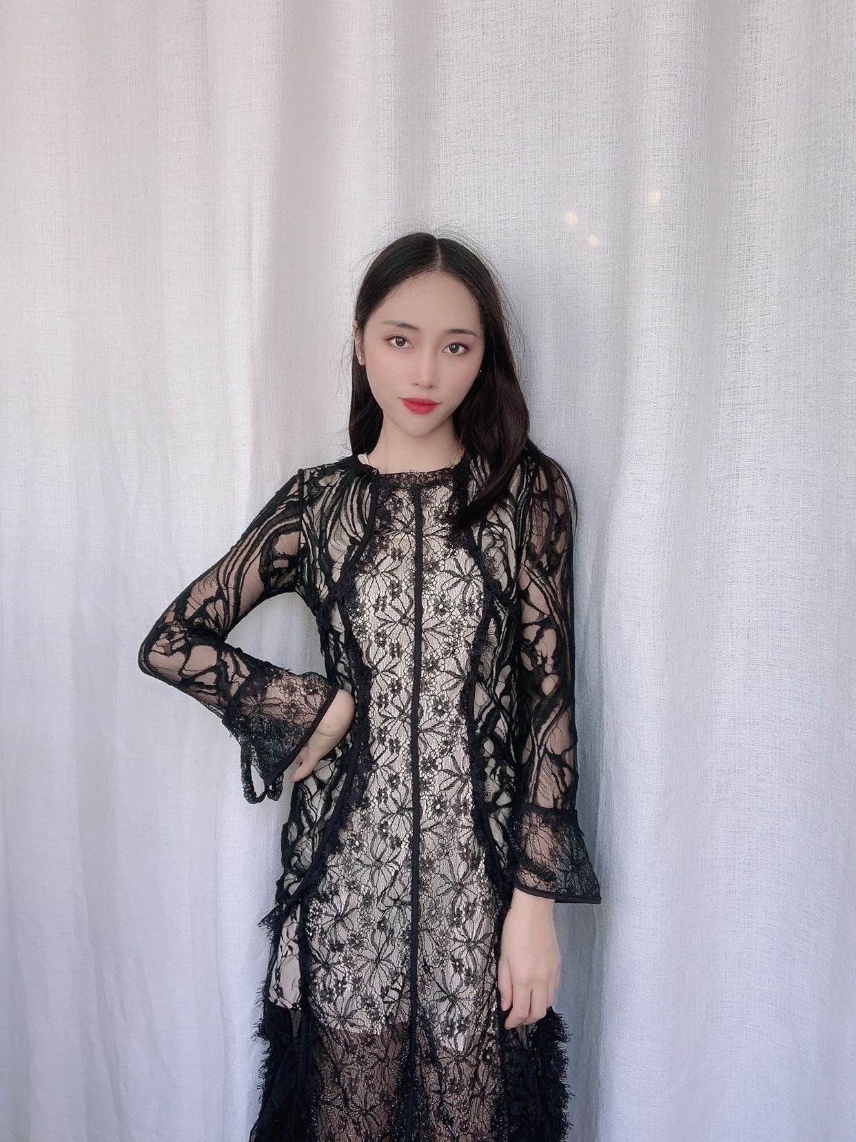 2020 summer show thin retro celebrity temperament doll collar lace slim sexy hollow out big swing bottom dress