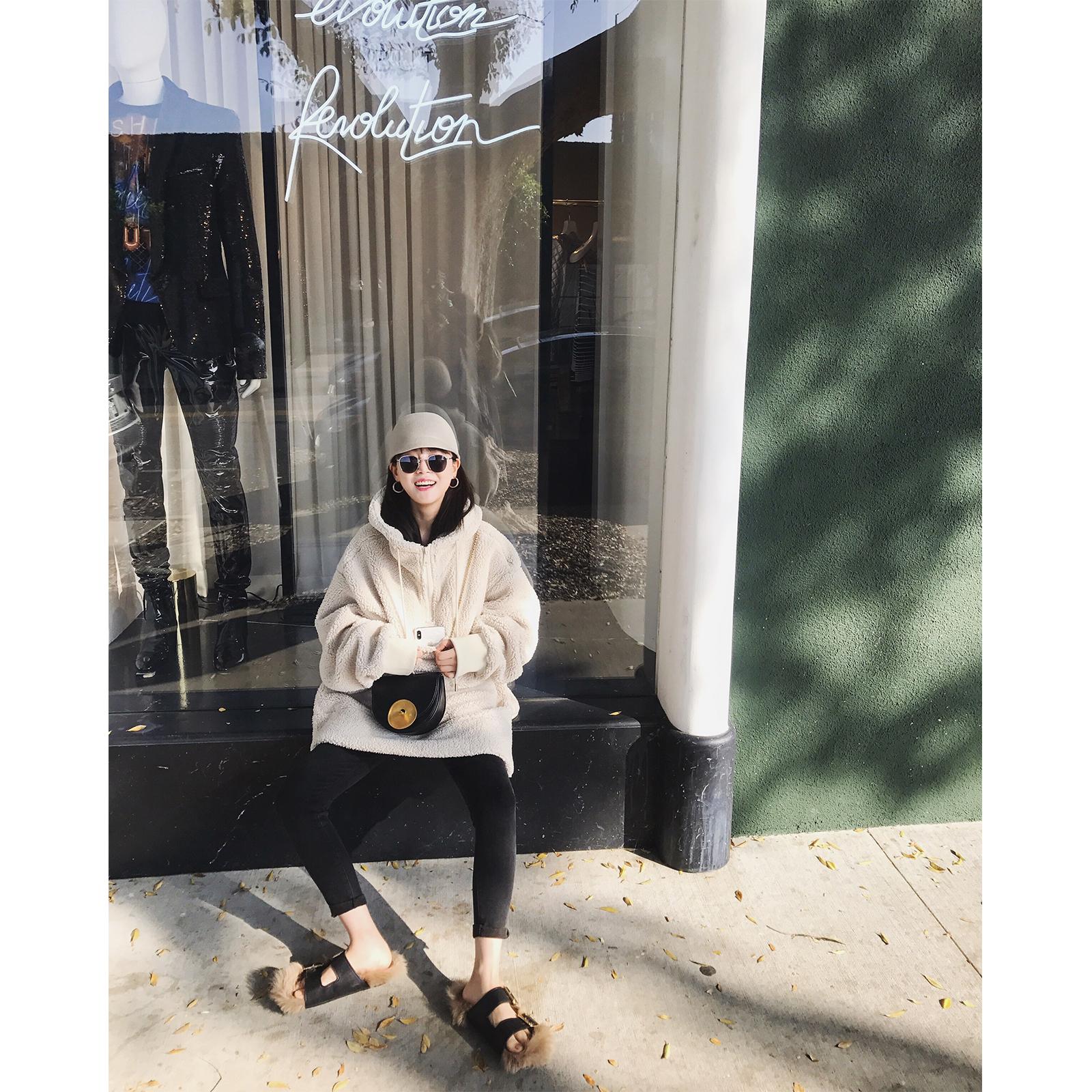 vcruan阿希哥 羊羔毛卫衣女秋冬季新款加绒加厚连帽宽松套头上衣