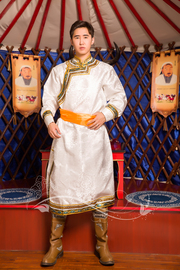 蒙古服装男士新款民族服饰长款白色蒙古袍蒙族演出服舞蹈服热卖图片
