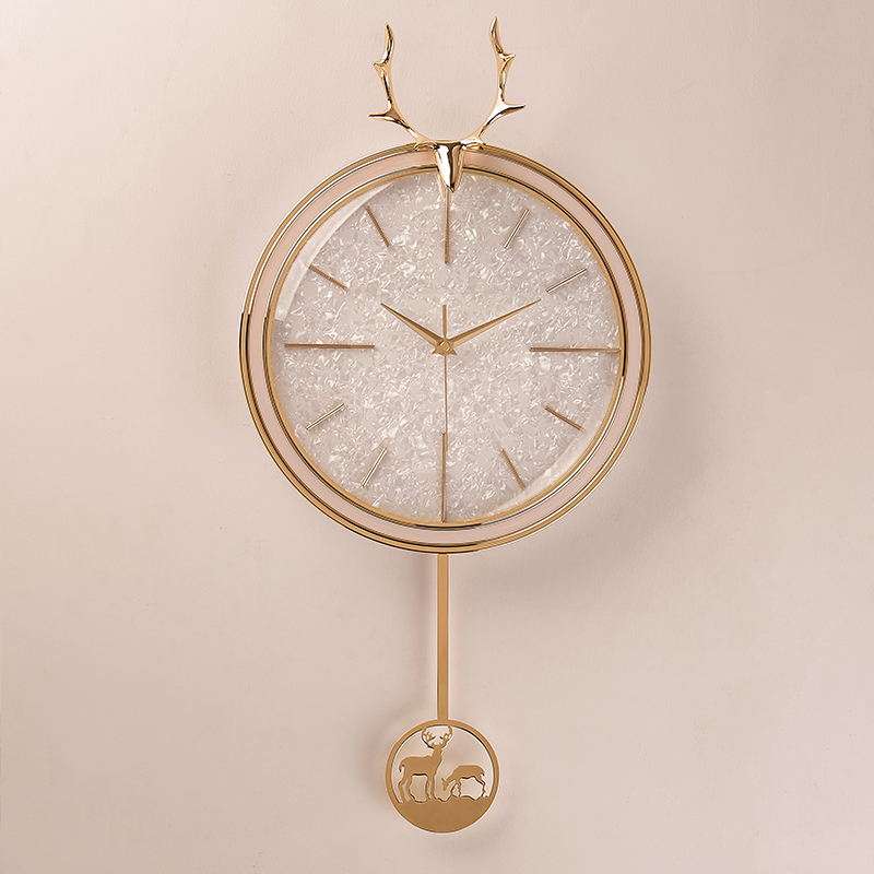 北欧麋鹿头轻奢个性装饰静音钟表