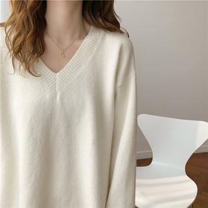 白色V领毛衣女秋冬韩百搭宽松显瘦慵懒风针织套头长袖打底衫外穿