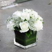 会议桌花鲜花商务台花宴会活动签到花北京同城速递年会圆桌小摆花