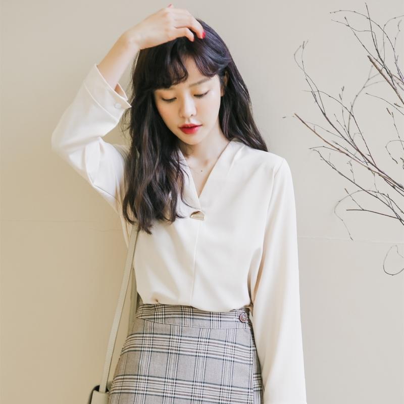 V领雪纺心机衬衫女设计感小众初秋装超很仙的上衣轻熟风长袖洋气券后59.00元