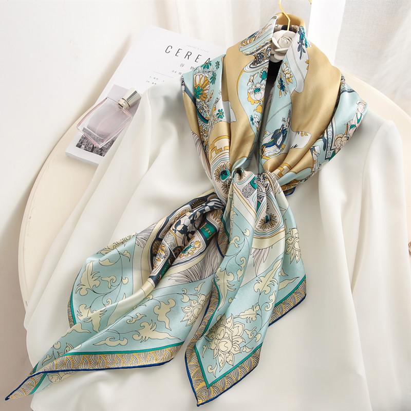 复古青花瓷大方巾素绉缎面两用丝巾
