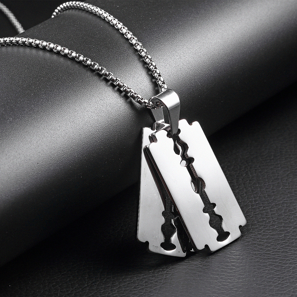 Personality fashion stylist titanium steel razor blade mens necklace Li Ronghao same stainless steel hip-hop Pendant
