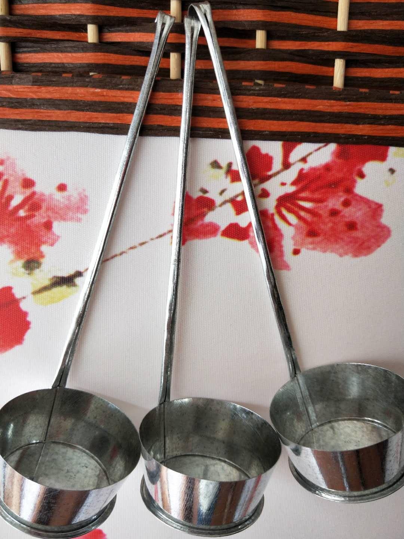 油のもちの型の台所の調理器具の油の大きいものの酉陽の土産の小さいものの器