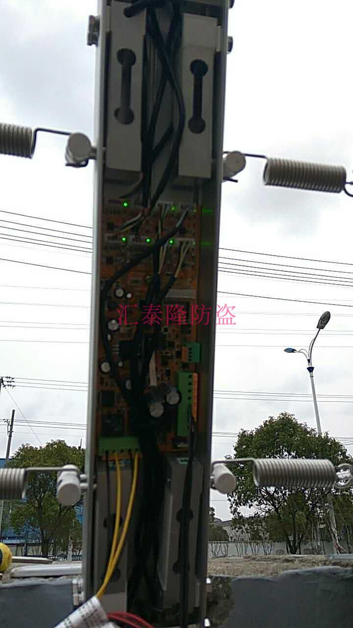 新款张力电子围栏4线100米套装张力围栏双防区控制杆配件工厂直销