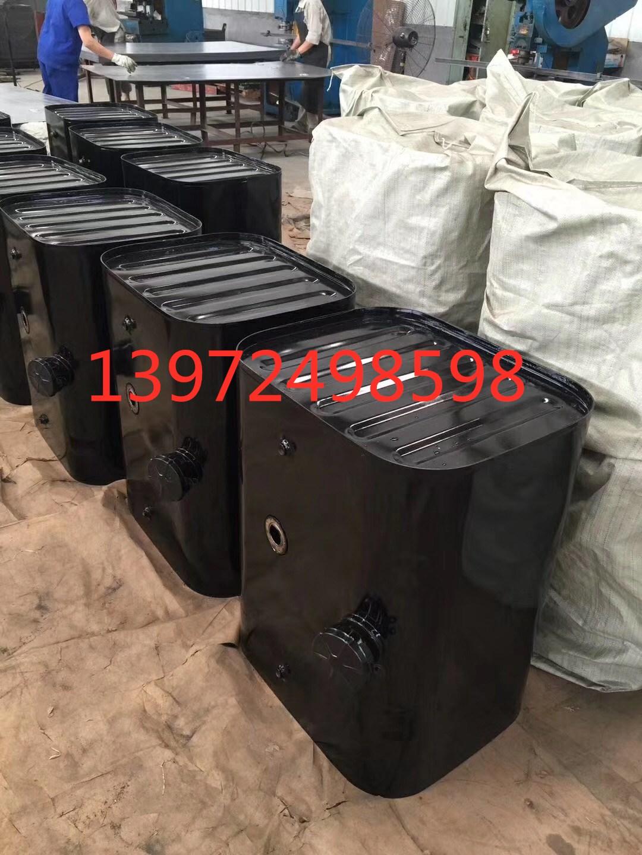 規格品の専門売り場東風天錦のガソリンタンク天竜の力神のガソリンタンクの総括的な成品はサイズを注文して工場の価格を決めて直接販売します。