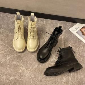 亮色。2019新款加绒英伦风马丁靴女雪地靴棉鞋骑士靴黑色胖mm粗跟