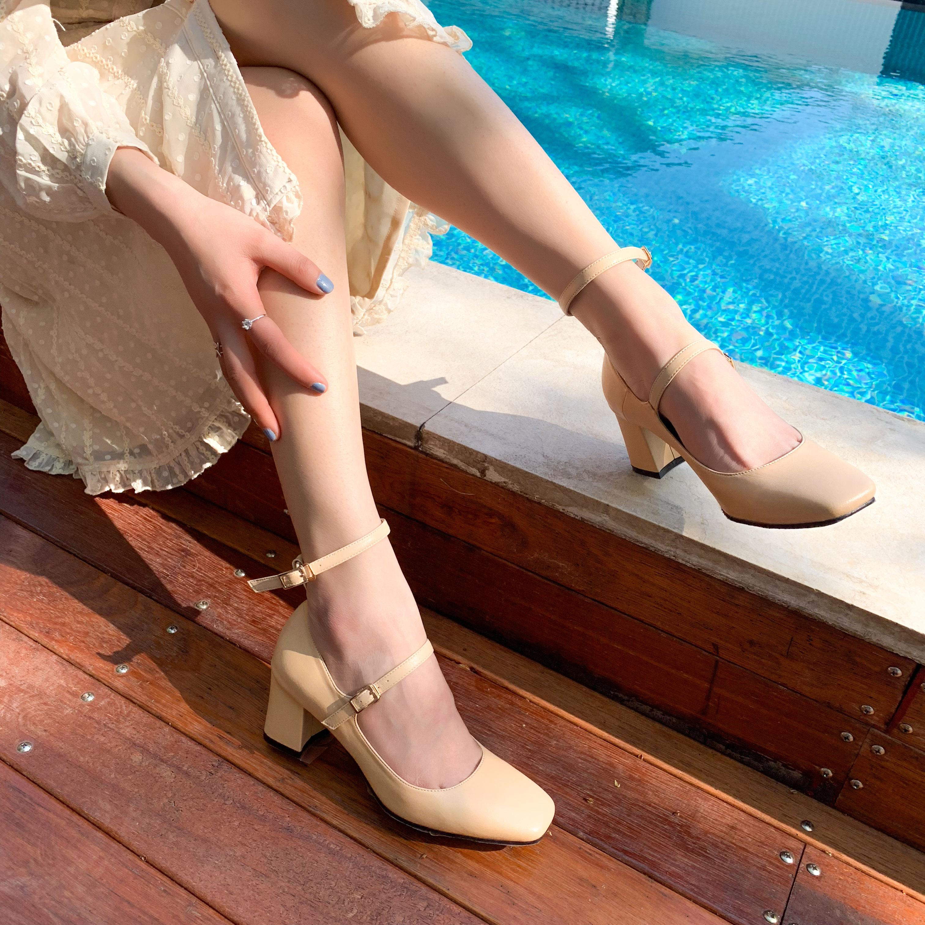 小码313233方口单鞋女2020新款韩国鞋单鞋玛丽珍女女高跟鞋粗跟的