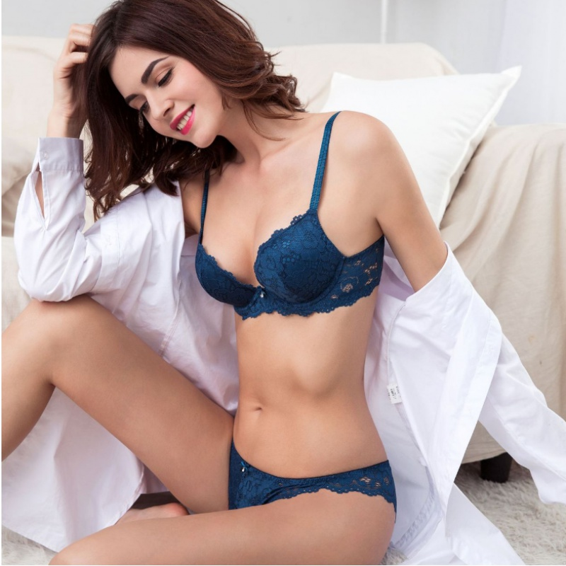 Victorias new bra set purchased by Hong Kong