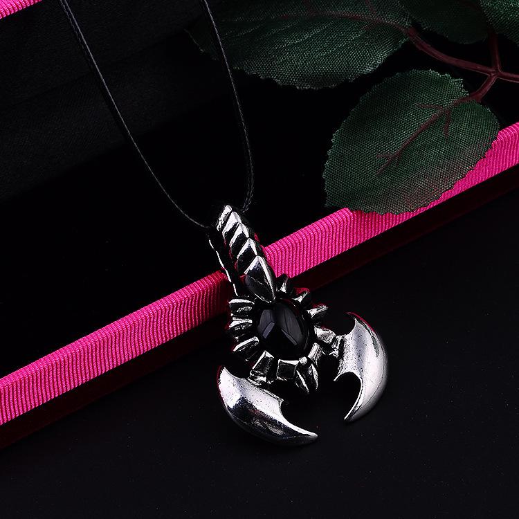霸气男士石榴石蝎子项链 韩版个性钛钢首饰品吊坠挂坠男生潮挂饰