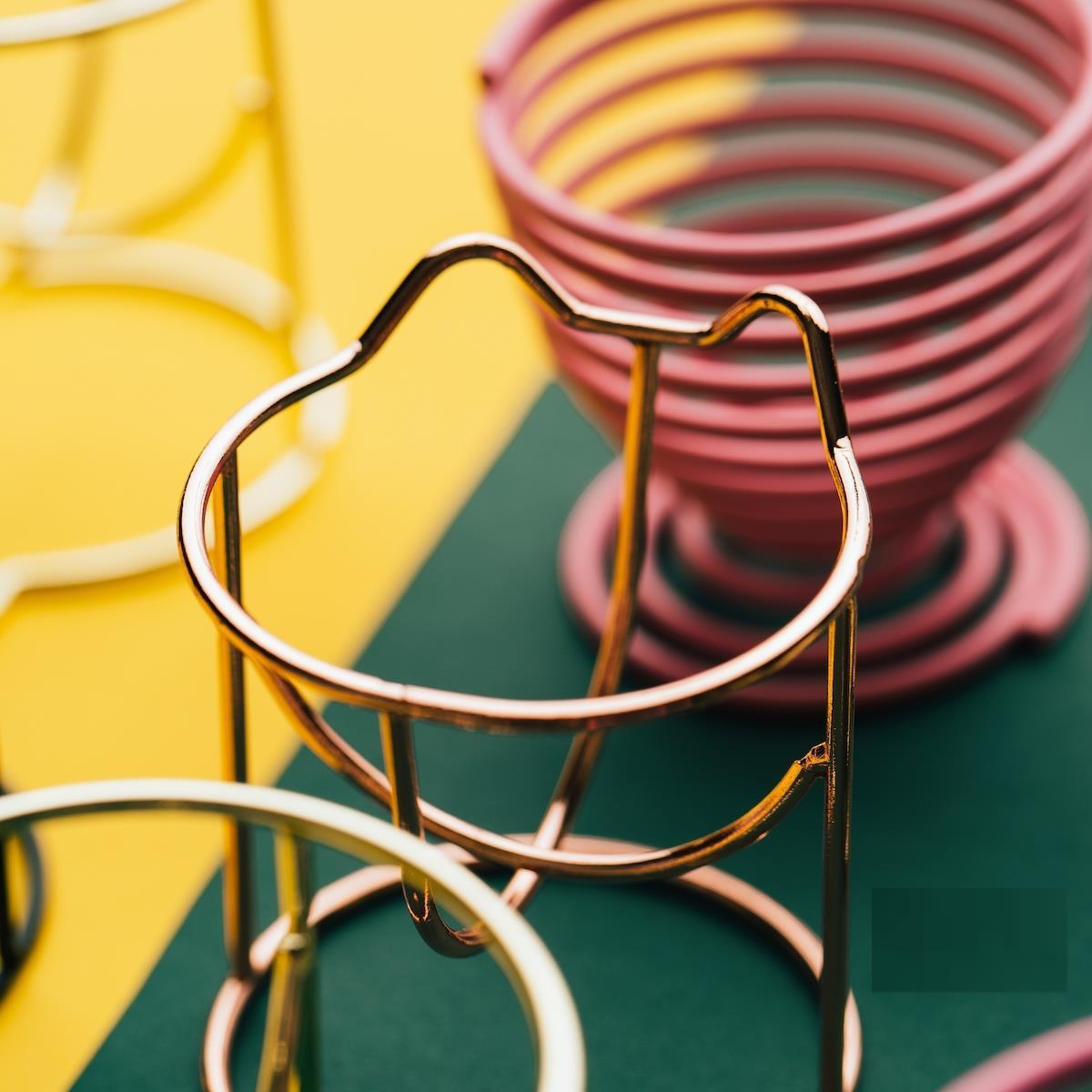 蛋托架葫芦粉扑晾晒收纳防尘托支架金属放彩妆蛋的粉扑托收纳盒